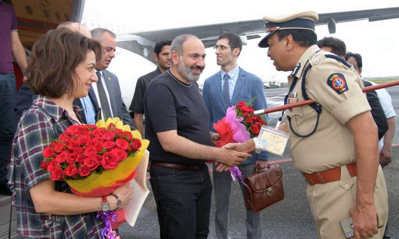 Nikol Pashinyan, the Prime Minister of the Republic of Armenia, took a brief stopover on Thursday at Nagpur Airport while on his way to Hanoi in Vietnam.