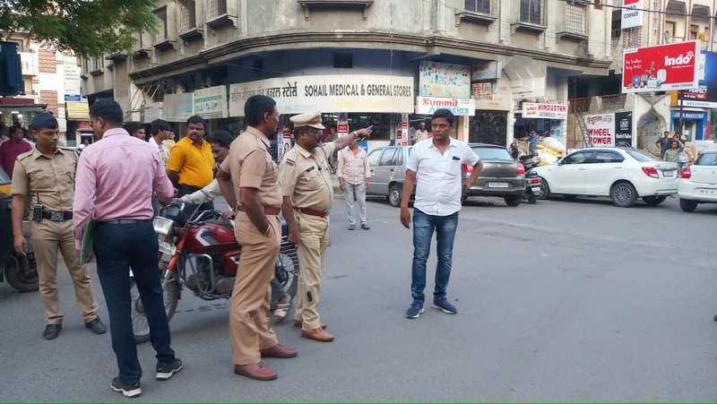 Nagpur Police Zone III DCP Rahul Maknikar on Wednesday took out a public parade of goons who were booked by Ganeshpeth Police for going on a rampage.