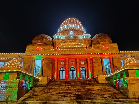 The Bombay High Court – Nagpur Bench was illuminated on the occasion of 73rd Independence Day.Here's a pictorial tour of the same.