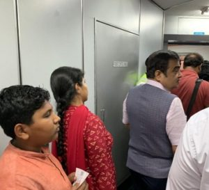 One of the Twitter users named Ravi Ranjan hailed union minister Nitin Gadkari for 'standing in queue to board flight like ordinary citizen.