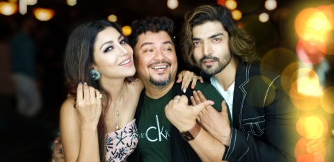 Author turned filmmaker Ram Kamal Mukherjee brings real life Bollywood couple Gurmeet and Debina back in romantic film Shubho Bijoya.