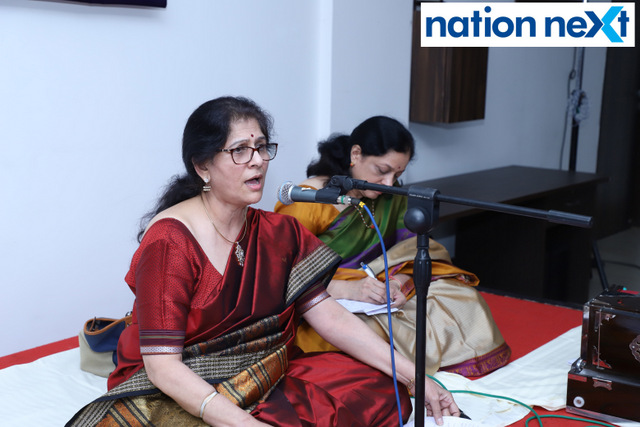 Senior citizens at SOHAM enjoyed musical renditions by renowned singer Meenal Bhide at the musical evening 'Aaj Ki Shyam Soham Ke Naam.'