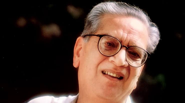 Veteran actor Shriram Lagoo, who has worked in several Hindi, Marathi films, passed away on Thursday in Pune at the age of 92.