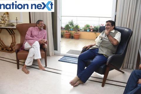 Bollywood actor Nana Patekar visited Union Minister Nitin Gadkari at his residence at Wardha Road in Nagpur on Sunday afternoon.