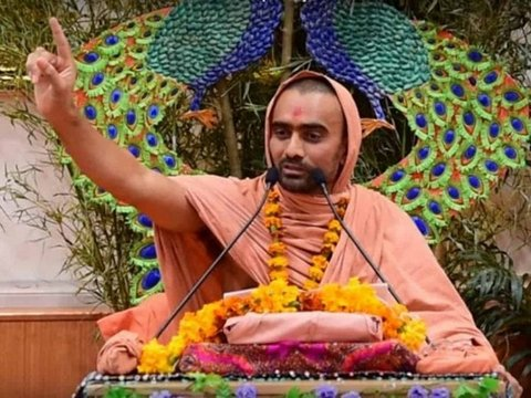 Swami Krushnaswarup Das made a shocking claim that menstruating wives who cook for their husbands will become bitches (female dog) in their next birth.
