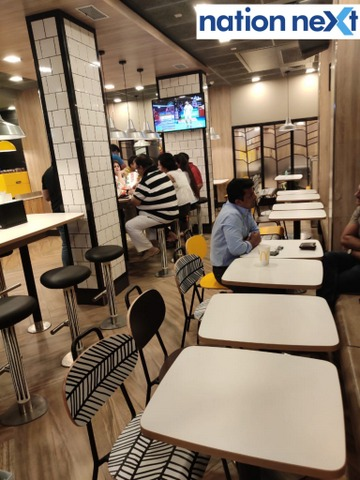After receiving a great response to its first outlet at newly opened Trillium Mall in Nagpur, Mc Donald's opened its second outlet at Poonam Chambers.