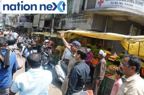 Amid the deadly Coronavirus that has impacted several citizens in the city, NMC chief Tukaram Mundhe inspected Sitabuldi area on Saturday afternoon.