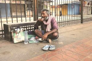 A man broke into a roadside food joint in Maharashtra's Yavatmal district on the night of May 27 to eat food as the COVID-19 lockdown had left him famished.