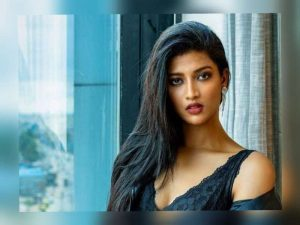 In a tragic incident, 22-year-old  actress Kannada Mebiena Michael died in a car accident while she was on her way to her home in Madikeri on May 26 evening.